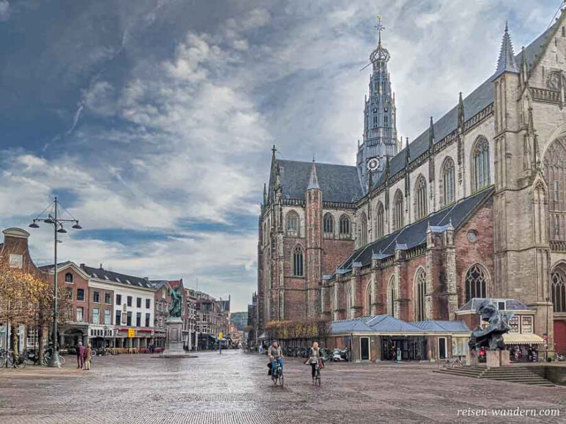 Grote Kerk und Grote Markt in Haarlem