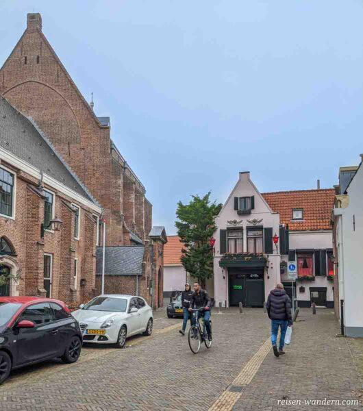 Waalse Kerk Haarlem mit Rotlichtviertel