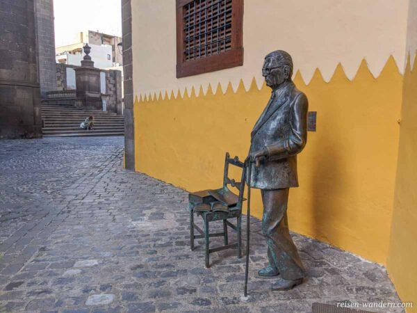 Statue beim Museum Casa De Colon in Las Plamas