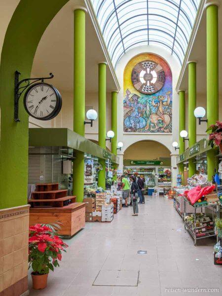 Markthalle an der Einkaufstraße Calle Capitan Quesada in Galdar