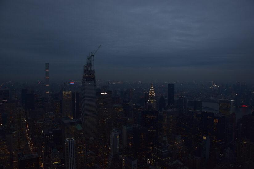 Die New Yorker Skyline bei Nacht