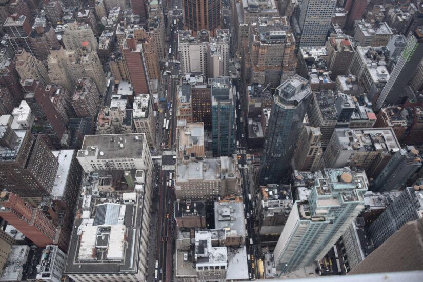Der Blick von oben auf die Stadt New York