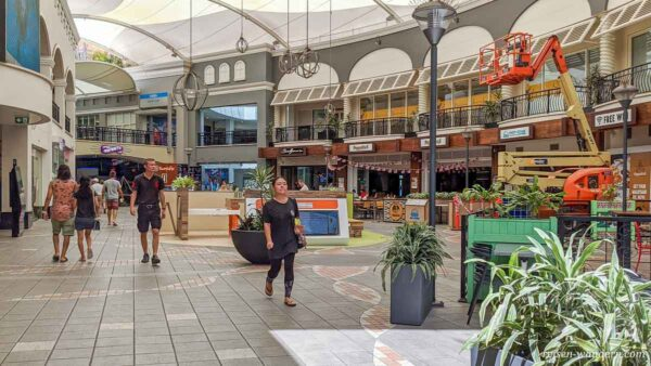 Shoppingcenter im Gebiet Surfers Paradise an der Gold Coast