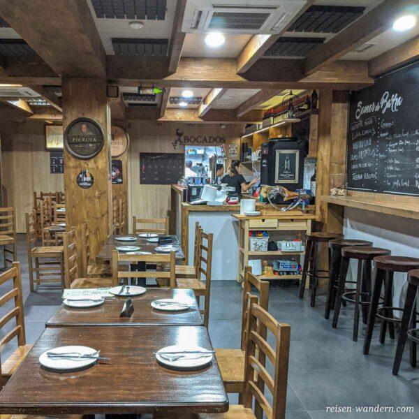 Innenansicht eines kleinen Restaurant in Las Palmas