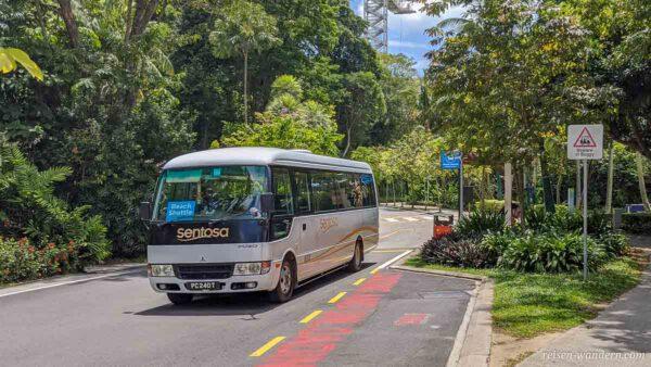 Bus des Beach Shuttle auf Sentosa
