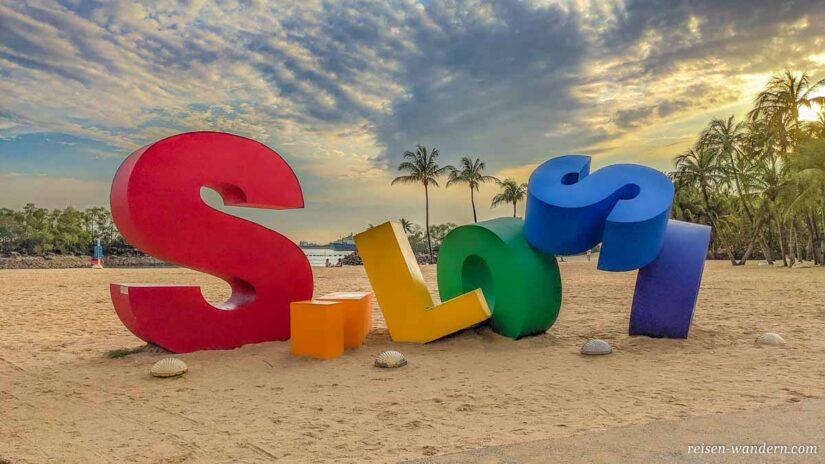Logo Silosa am Strand auf Sentosa