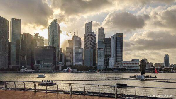 Skyline von Singapur bei der Marina Bay