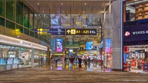 Transitbereich im Flughafen Singapur