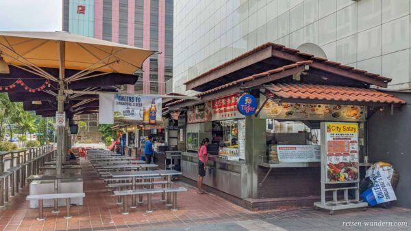 Streetfood-Stände auf der Orchard Road in Singapur