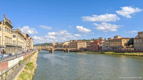 Brücke Ponte Santa Trinita in Florenz