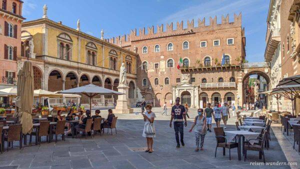 Platz Piazza dei Signori