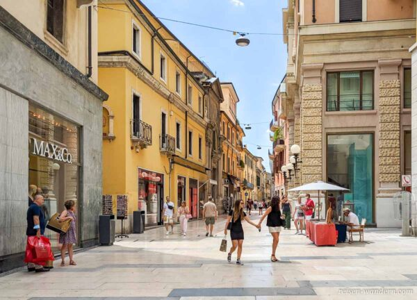 Shoppingsstreet Via Giuseppe Mazzini