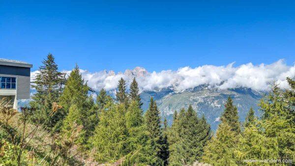 Blick auf die Berge der Brenta von der Mittelstation
