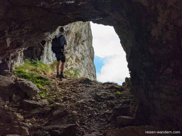 Höhle am Klettersteig Via Ferrata Delle Aquile