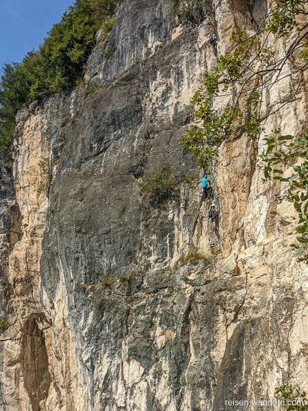 Letzte Felswand am Klettersteig Monte Albano