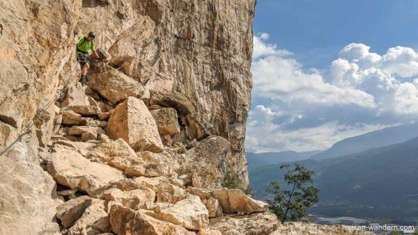 Geröllpfad auf dem Klettersteig Monte Albano