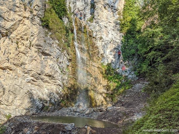 Unteres Becken und Einstieg des Klettersteig Signora delle Acque
