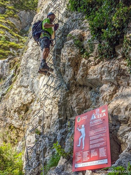 Einstiegstafel des Via Ferrata Signora delle Acque