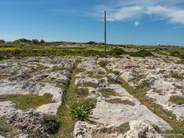 Rillen auf der Felsenebene von Clapham Junction