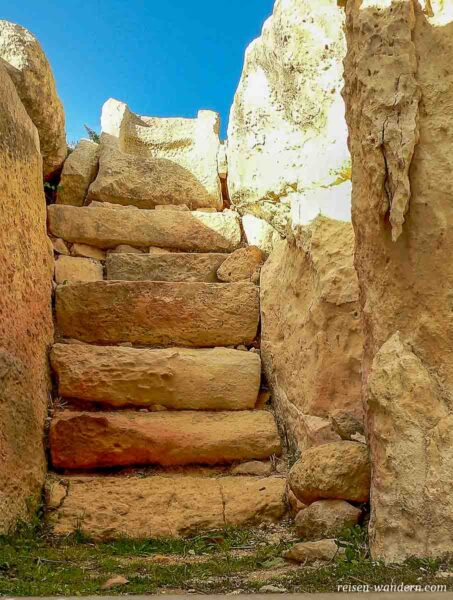 Treppe zum Thron im Tarxien Tempel