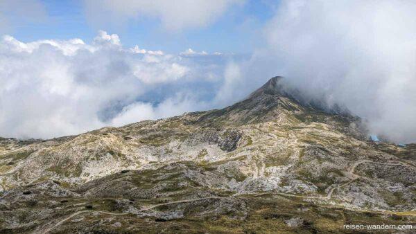 Plateau mit Kriegsüberresten am Cinque Cime