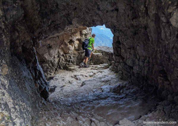 Blick in einen Tunnel der Strada delle 52 Gallerie
