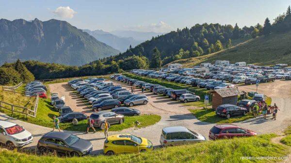Parkplatz der Strada delle 52 Gallerie am Cinque Cime