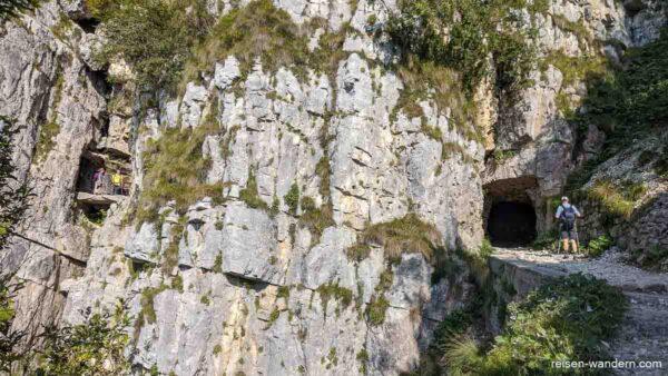 Tunnelanlagen am Strada delle 52 Gallerie am Cinque Cime