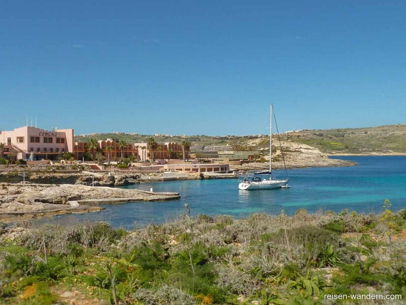 Bucht beim Comino Hotel and Bungalows