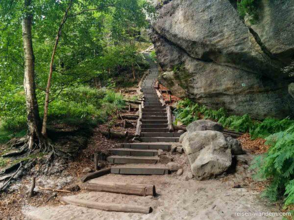 Stufen im 2.Abschnitt der Rotkehlchenstiege