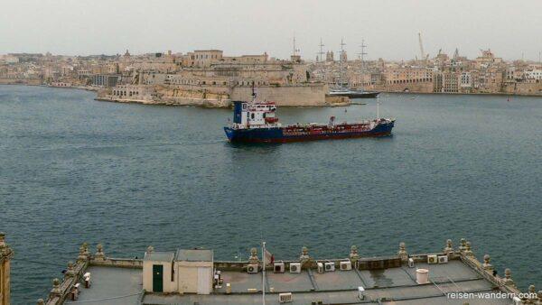 Blick zum Fort St. Angelo von Valletta