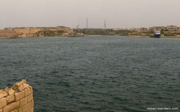 Bucht zwischen Fort St. Angelo und Fort Rinella
