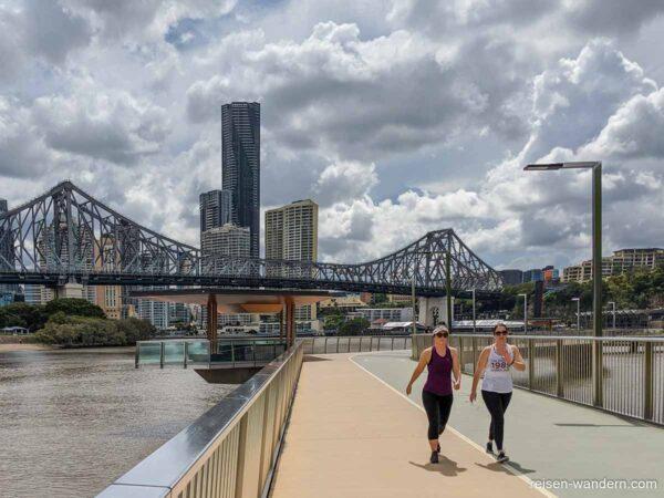 New Farm River Walk bei der Story Bridge