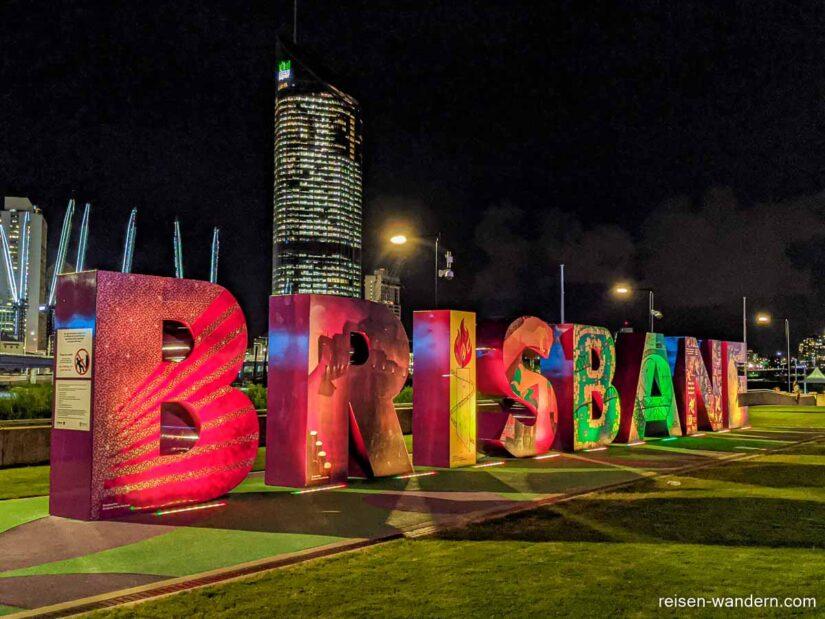Schriftzug von Brisbane bei der Southbank