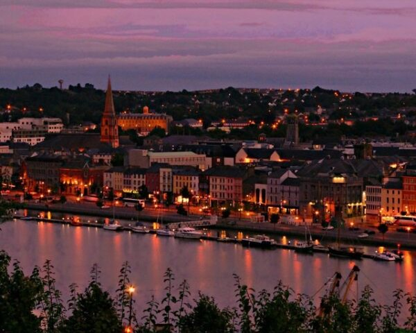 Waterford in Irland am Abend