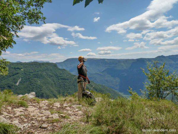 Erstes Plateau mit Ausblick am Gerardo Sega