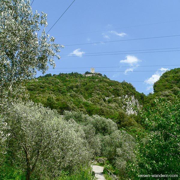 Blick auf das Castello Drena