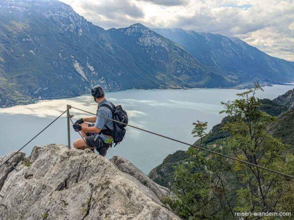 Blick auf den Gardasee vom Klettersteig Fausto Susatti