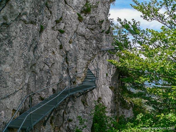 Eisenweg am Fels am Monte Biaena