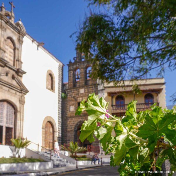 Glockenturm von der Kirche San Agustín in La Orotava
