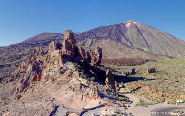 Roque Cinchado mit Pico del Teide