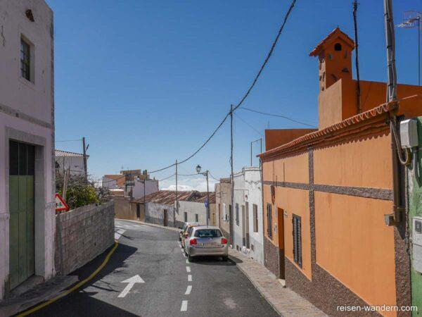Steile Straße in Vilaflor