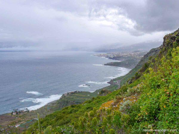 Die Küstenlinie im Norden von Teneriffa