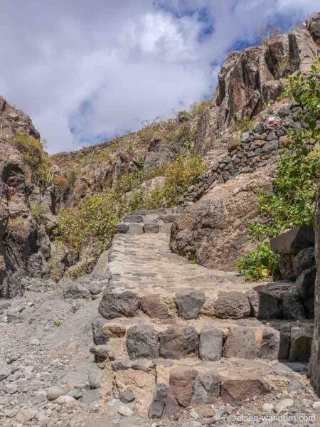 Steinstufen im Barranco del Rey