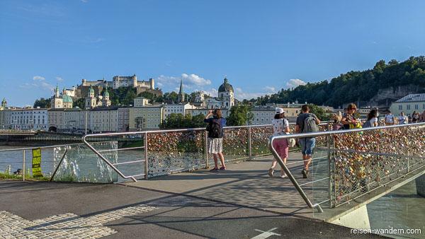 Brücke Marko-Feingold-Steg mit Liebesschlössern