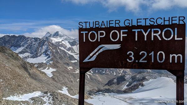 """Schild """"TOP of Tirol"""" auf dem Stubaier Gletscher"""