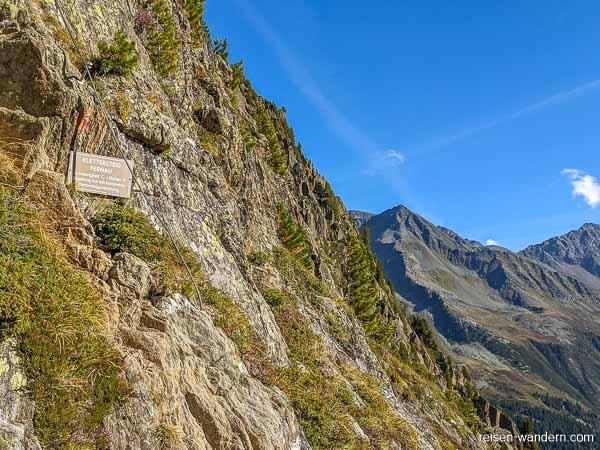 Einstiegstafel vom Klettersteig Fernau