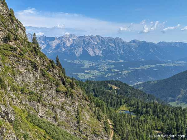 Blick vom Franzi Klettersteig auf das Dachsteinmassiv