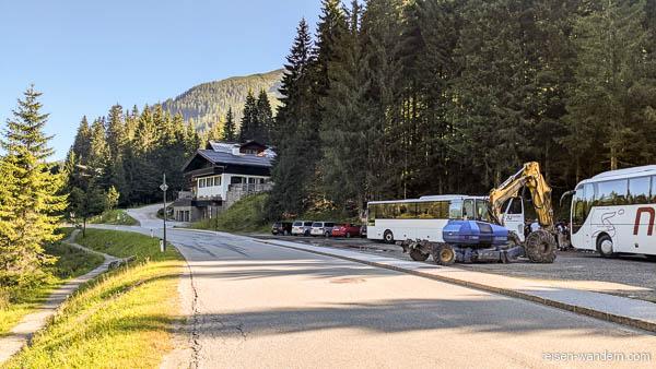 Parkplatz am Zauchensee in Österreich