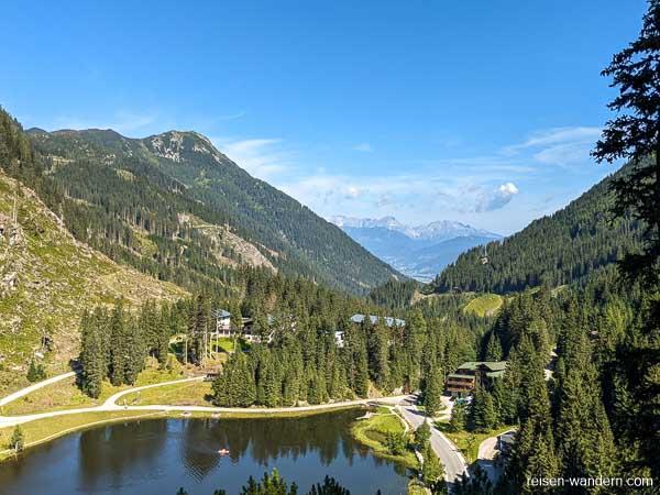 Blick vom Seewand Klettersteig auf den Zauchensee